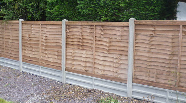 Captivating ... 4ft Larchlap Panel With Concrete Posts U0026 12in Concrete Gravel Board  Closeboard Fencing ...